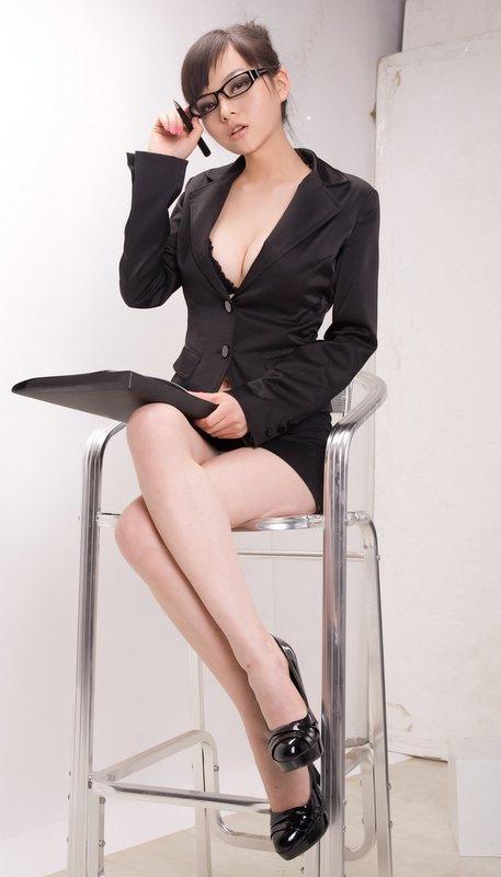 Cerita Sex Hot Tugas Sekretaris 2