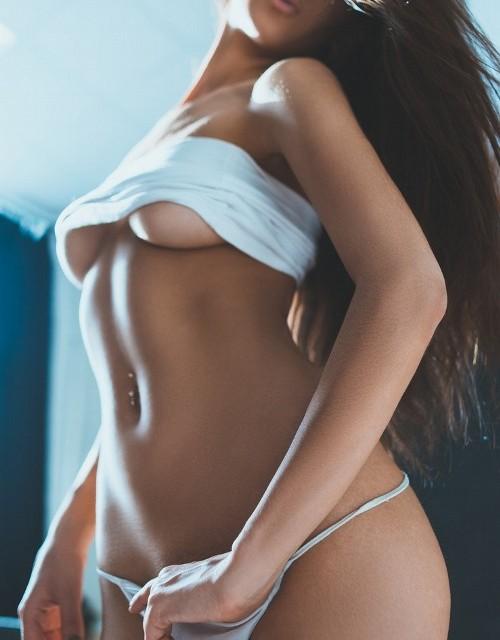 Cerita Sex Hot Sahabat Istriku
